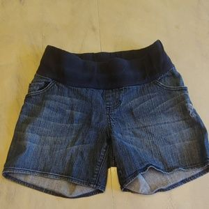 Women's  Liz Lange Maternity jean shorts